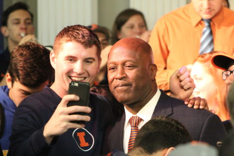 Reactions from the Union crowd to Lovie Smith's hiring