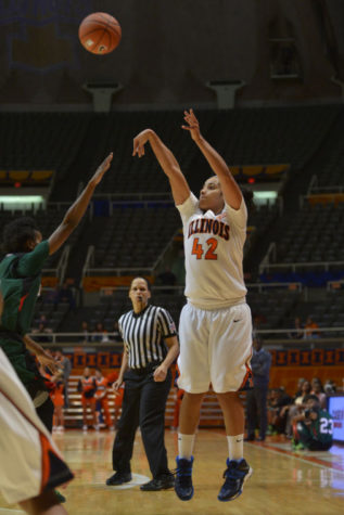 Moore scores 27, grabs 19 rebounds in Illini win