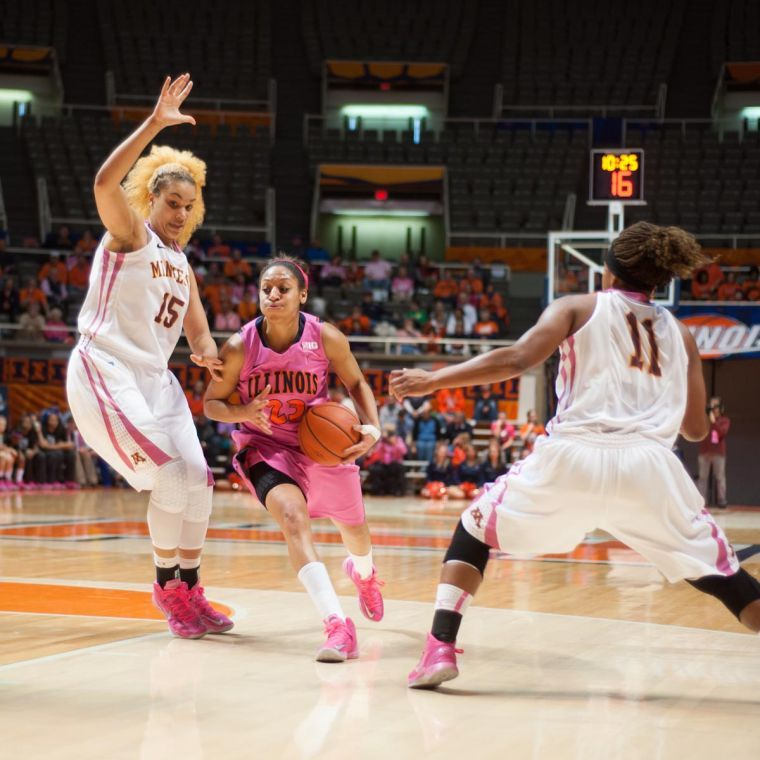 Illinois%27+Alexis+Smith+drives+past+the+Minnesota+defense+during+the+Feb.+10+game+at+the+State+Farm+Center.%C2%A0