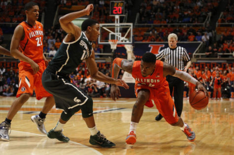 Illinois hopes to end losing streak against Iowa
