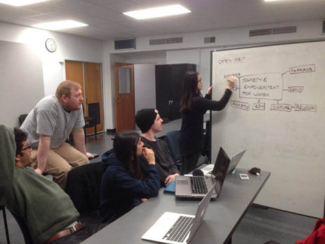 "The University's Design for America's electronic waste team meets to brainstorm, a process they call ""ideation."" The registered student organization met on Feb. 8 for its weekly Saturday meeting at the Art and Design building from 1 to 3 p.m."