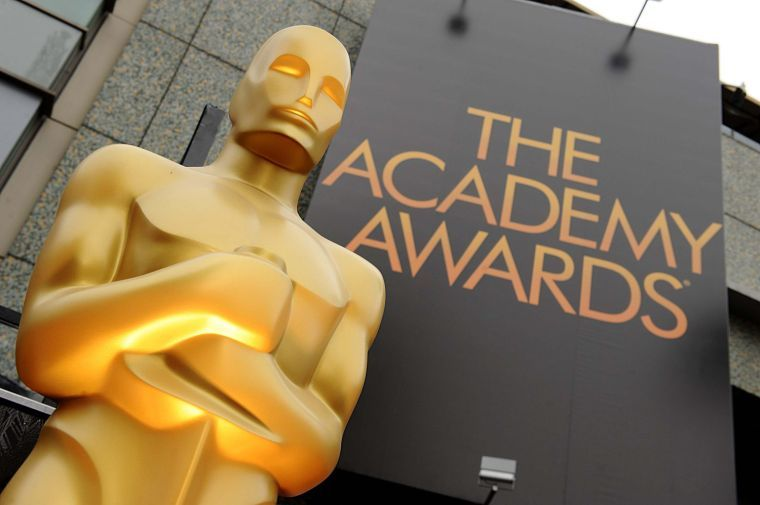 A+view+of+an+Oscar+statue+outside+the+84th+Annual+Academy+Awards+show+at+the+Hollywood+and+Highland+Center+in+Los+Angeles%2C+Calif.%2C+on+Sunday%2C+February+26%2C+2012.%C2%A0