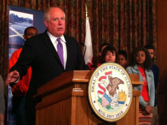 Gov. Pat Quinn supports increase in financial aid in University speech