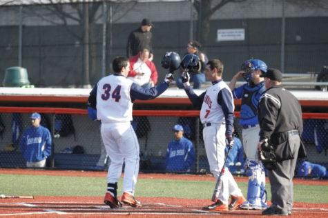 Illini baseball travels to Northwestern