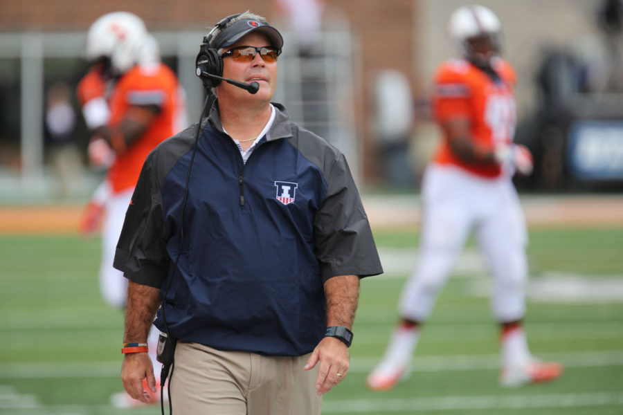 Illinois+head+coach+Tim+Beckman+watches+a+replay+after+a+referee%27s+call+during+the+game+against+Youngstown+State+at+Memorial+Stadium+on+Aug.+30.+The+Illini+won+28-17.
