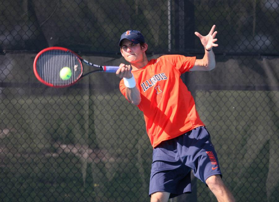 Illinois%27+Jared+Hiltzik+hits+the+ball+back+during+the+second+round+of+NCAA+Tennis+Regionals+against+the+University+of+Memphis+at+Khan+Outdoor+Tennis+Complex+on+May+10.