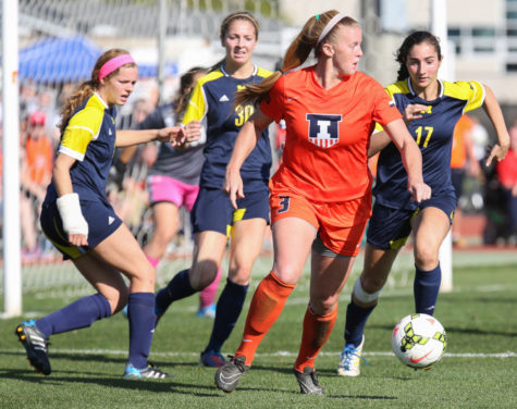 Soccer hangs on to make postseason