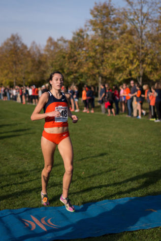 Illinois' Hanna Winter, sophomore, earns fourth place at the Illini Open 2014 at the Arboretum on October 25th.