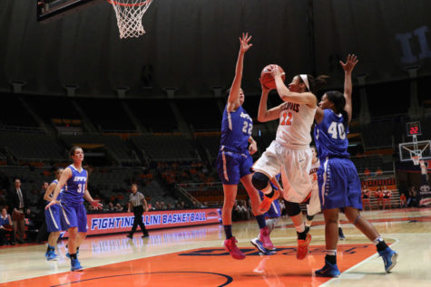 Illinois women's basketball wins home opener vs. IPFW