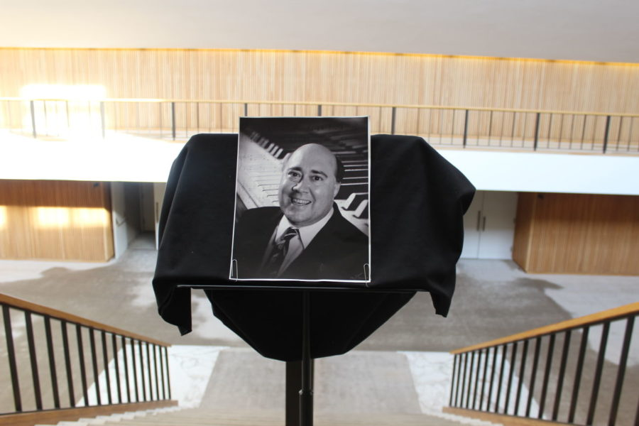 Students%2C+faculty%2C+staff+and+members+of+the+community+joined+together+in+Foellinger+Great+Hall+to+celebrate+the+life+of+Kent+Conrad.+Conrad+died+unexpectedly+on+Sept.+5.