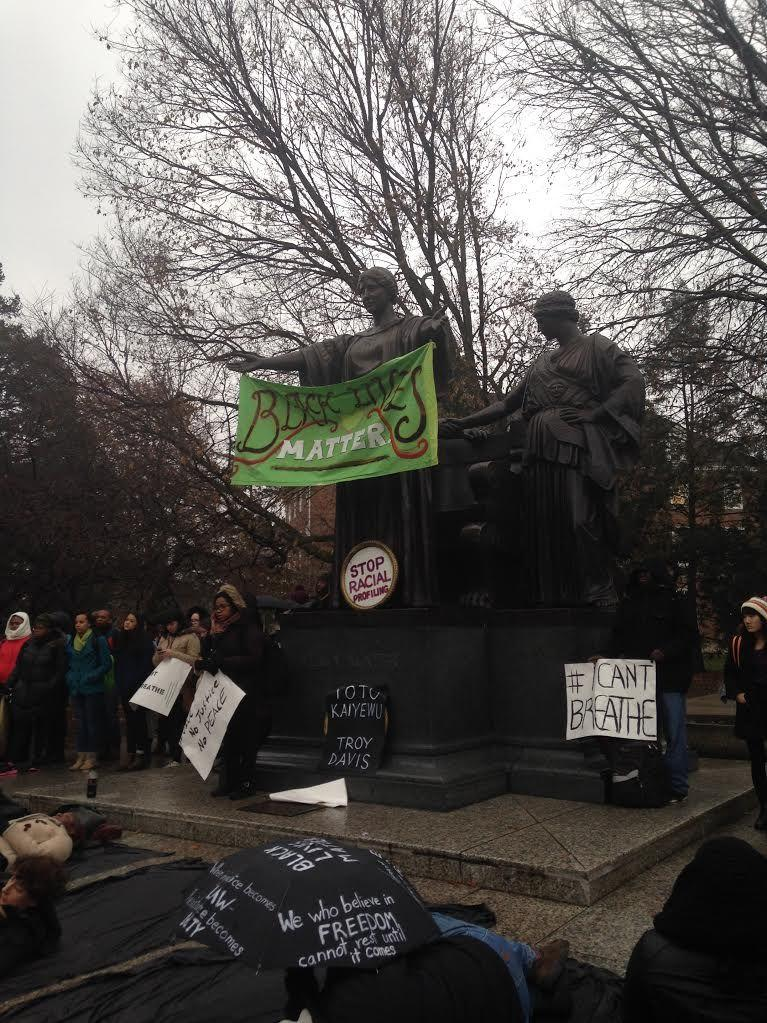 Recent+cases+of+alleged+police+force+against+African+Americans%2C+including+Michael+Brown+and+Eric+Garner%2C+sparked+protests+by+University+students+outside+the+Alma+Mater.