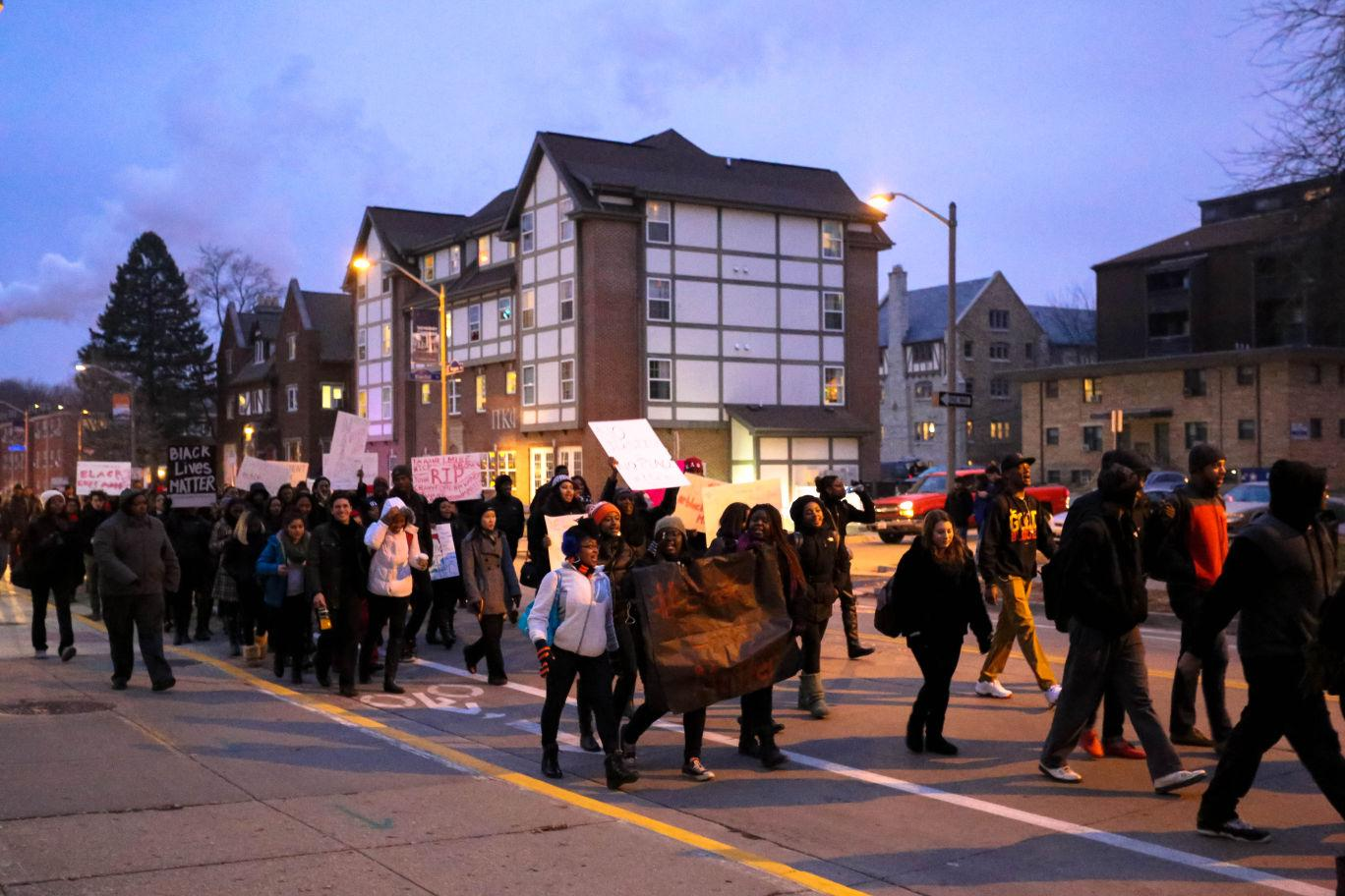 Hundreds+of+students+marched+Tuesday+evening+in+a+peaceful+protest%2C+organized+by+the+Central+Black+Student+Union%2C+of+the+recent+events+in+Ferguson.