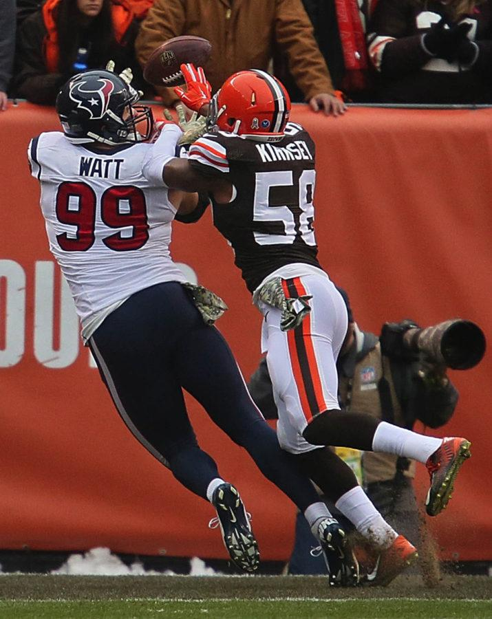 Houston+defensive+lineman+J.J.+Watt+catches+a+2-yard+touchdown+pass+from+quarterback+Ryan+Mallett+in+the+first+quarter+of+the+Browns+23-7+loss+to+the+Texans+on+Nov.+16.+Watt+has+caught+three+touchdown+this+season%2C+in+addition+to+two+defensive+touchdowns.
