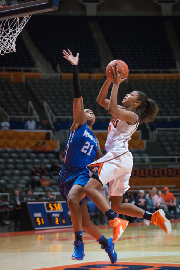 Illinois' Amarah Coleman (10) attempts a layup during the game against Memphis at the State Farm Center on Thursday, November 20. The Illini won 60-58.