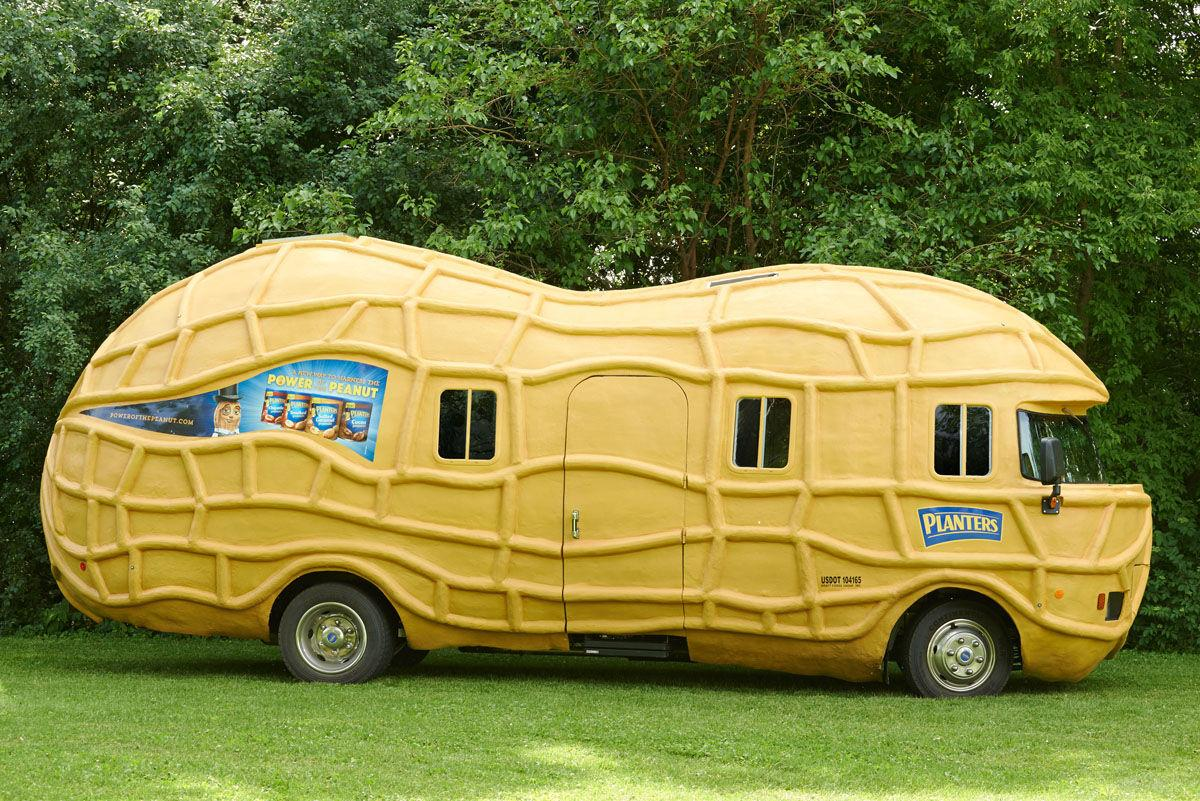 The+NUTmobile+and+the+Peanutters+travel+the+U.S.+doing+interviews%2C+visiting+events+and+making+peanut-related+puns.+They%E2%80%99ll+be+recruiting+for+next+year+this+Wednesday.