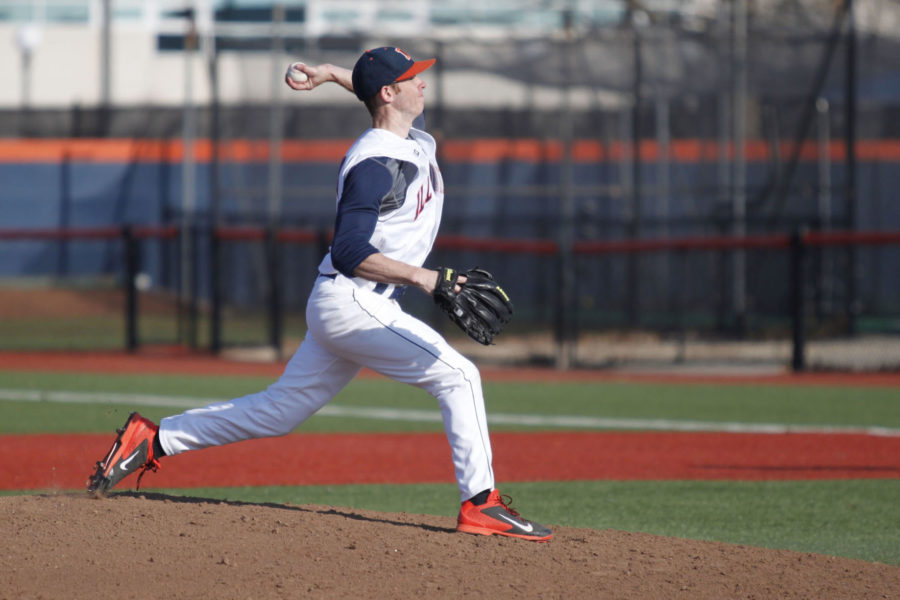 Illinois%27+Tyler+Jay+%2811%29+pitches+the+ball+during+the+game+against+Indiana+State+at+Illinois+Field+on+Mar.+18.+The+Illini%27s+veteran+team+has+led+to+high+expectations+for+the+upcoming+season.%C2%A0