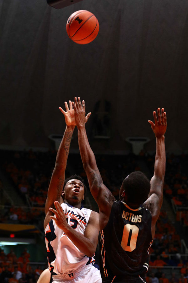 Illinois%E2%80%99+Leron+Black+attempts+a+shot+during+the+game+against+Purdue+at+State+Farm+Center+on+Jan.+21.+The+Illini+won+66-57.
