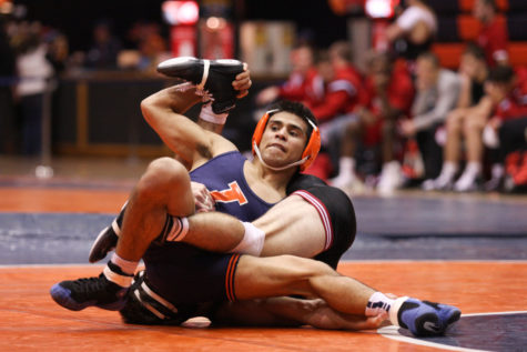 Illinois wrestling faces Maryland in Delgado's return