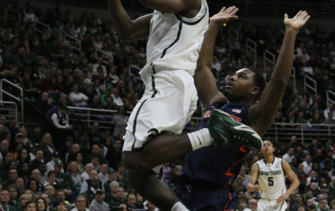 Illinois captures 59-54 win at Michigan State