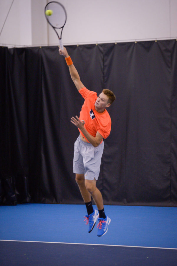 Illinois%E2%80%99+Brian+Page+serves+the+ball+during+the+match+against+Kentucky+at+the+Atkins+Indoor+Center+on+Feb.+6.+The+Illini+won+7-0.