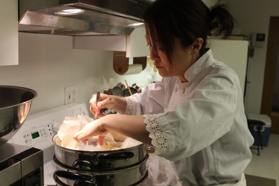 Chef Enomoto visits the Japan House to cook a meal.