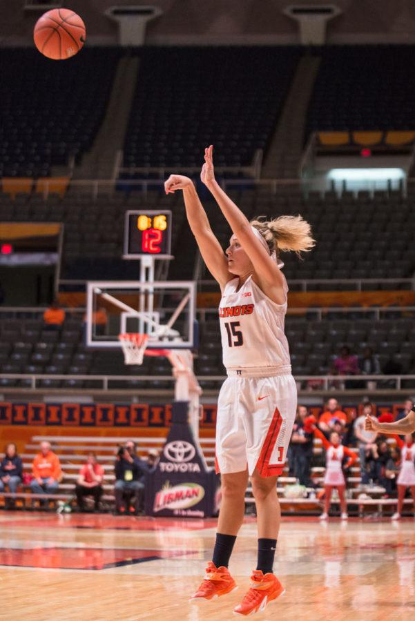 Illinois%27+Kyley+Simmons+attempts+to+sink+a+three-pointer+during+the+match+against+Minnesota+at+the+State+Farm+Center+on+Thursday.+%C2%A0The+Illini+won+95-69.