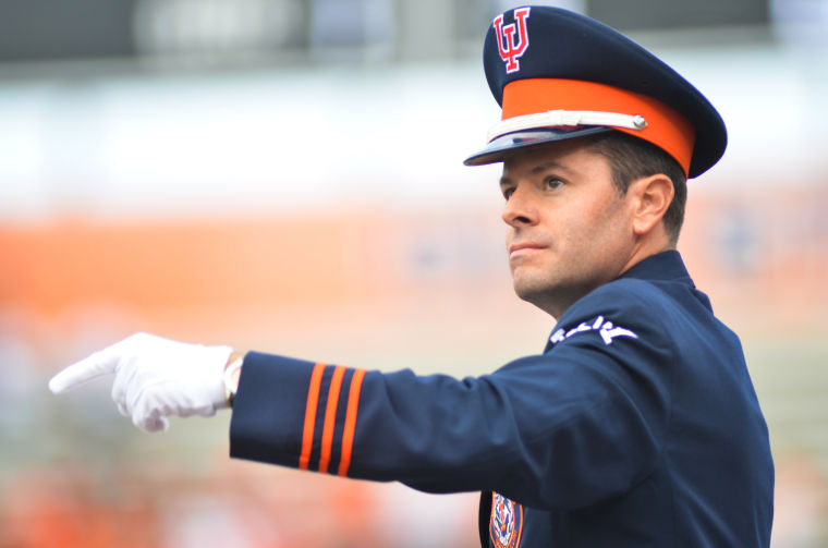 Marching+Illini+director+Barry+Houser+conducts+during+the+Homecoming+game+against+Michigan+State+at+Memorial+Stadium+in+Champaign%2C+Ill.+on+Oct.+27%2C+2013.