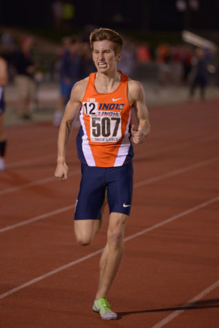 Illinois' Ian Barnett keeps a brisk pace in the men's 1,500-meter run at the Illinois Twilight meet on April 18.