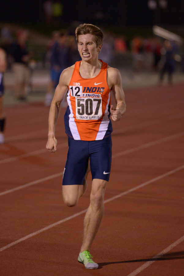 Illinois%E2%80%99+Ian+Barnett+keeps+a+brisk+pace+in+the+men%E2%80%99s+1%2C500-meter+run+at+the+Illinois+Twilight+meet+on+April+18.