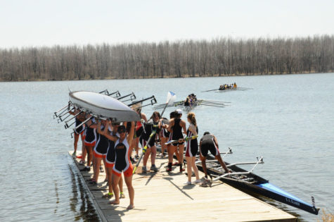 Illinois rowing competes in first regatta of the season