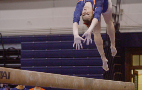 Three individuals to represent Illinois women's gymnastics at Nationals