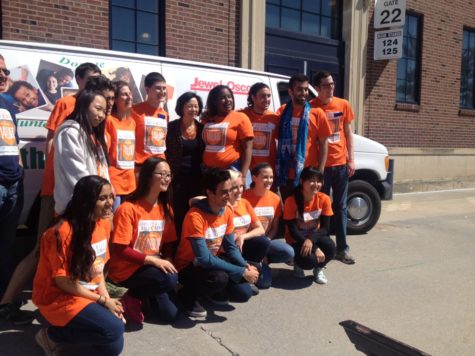 Rauner participates in Community and Campus Day of Service