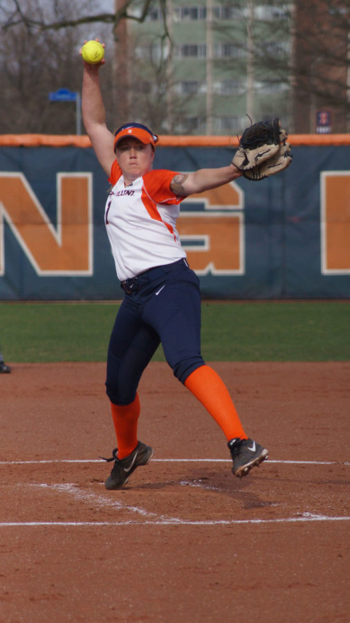 Illinois%E2%80%99+Jade+Veccanags+pitches+the+ball+during+the+softball+game+vs.+Indiana+State+at+Eichelberger+Field+on+April+8.+She+has+become+the+Illini%E2%80%99s+go-to+pitcher.%C2%A0