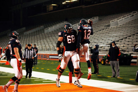 Former Illini football player attacks Beckman on Twitter