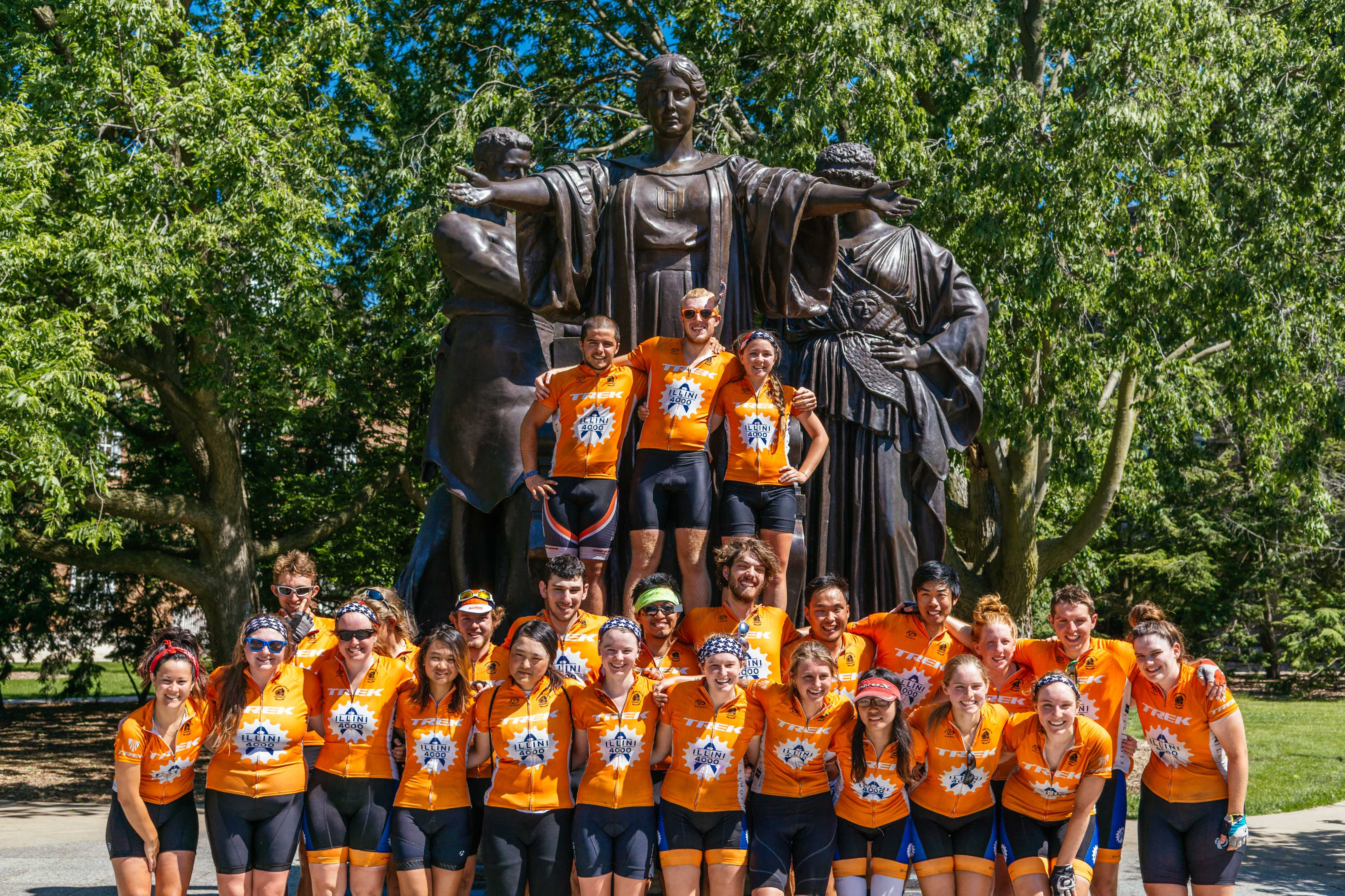 Illini 4000 members in front of the Alma Mater on June 10.