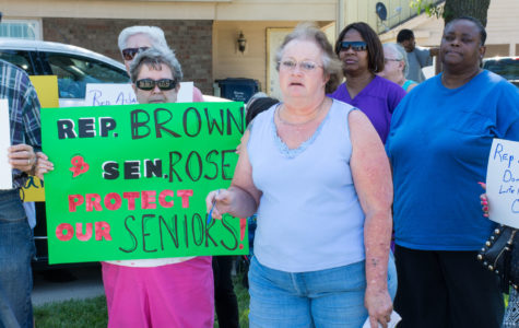 Seniors take stand against Rauner's proposed service cuts