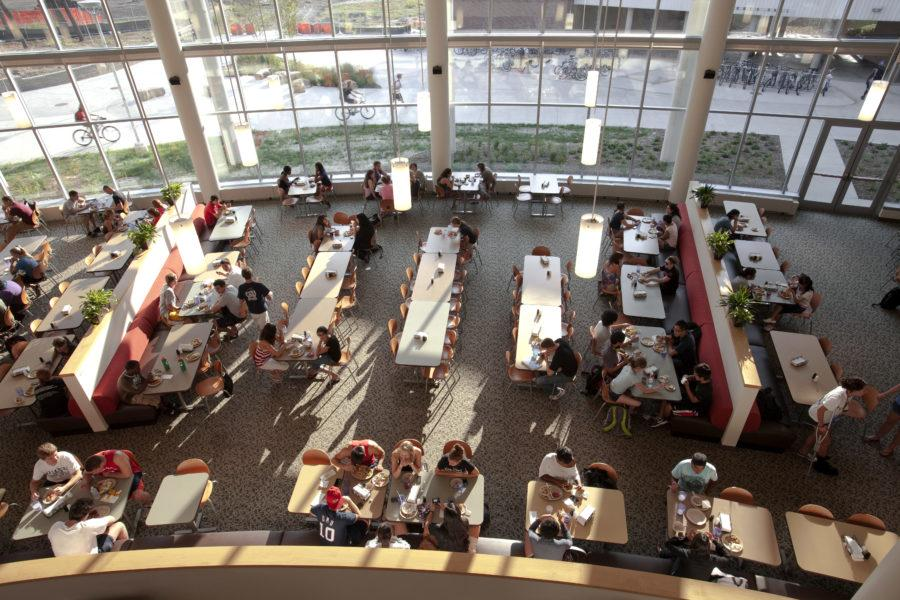 Taking advantage of dining hall specialty restaurants makes credits well-spent