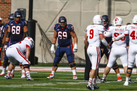 Illini lineman Karras enters 2015 at full strength
