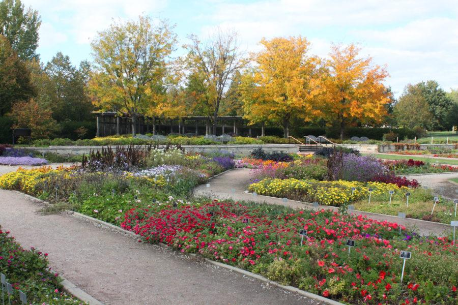 The+Miles+C.+Hartley+garden+at+the+Arboretum+is+the+largest+of+5+major+gardens.+The+rest+of+the+Arboretum%27s+160+acres+contains+several+open+fields+and+a+number+of+tree-lined+paths.