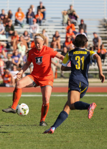 Illinois' Janelle Flaws (3) looks to bring the ball under control during the game against Michigan at Illinois Track and Soccer stadium on Sunday, Oct. 26, 2014. The Illini lost 2-1.