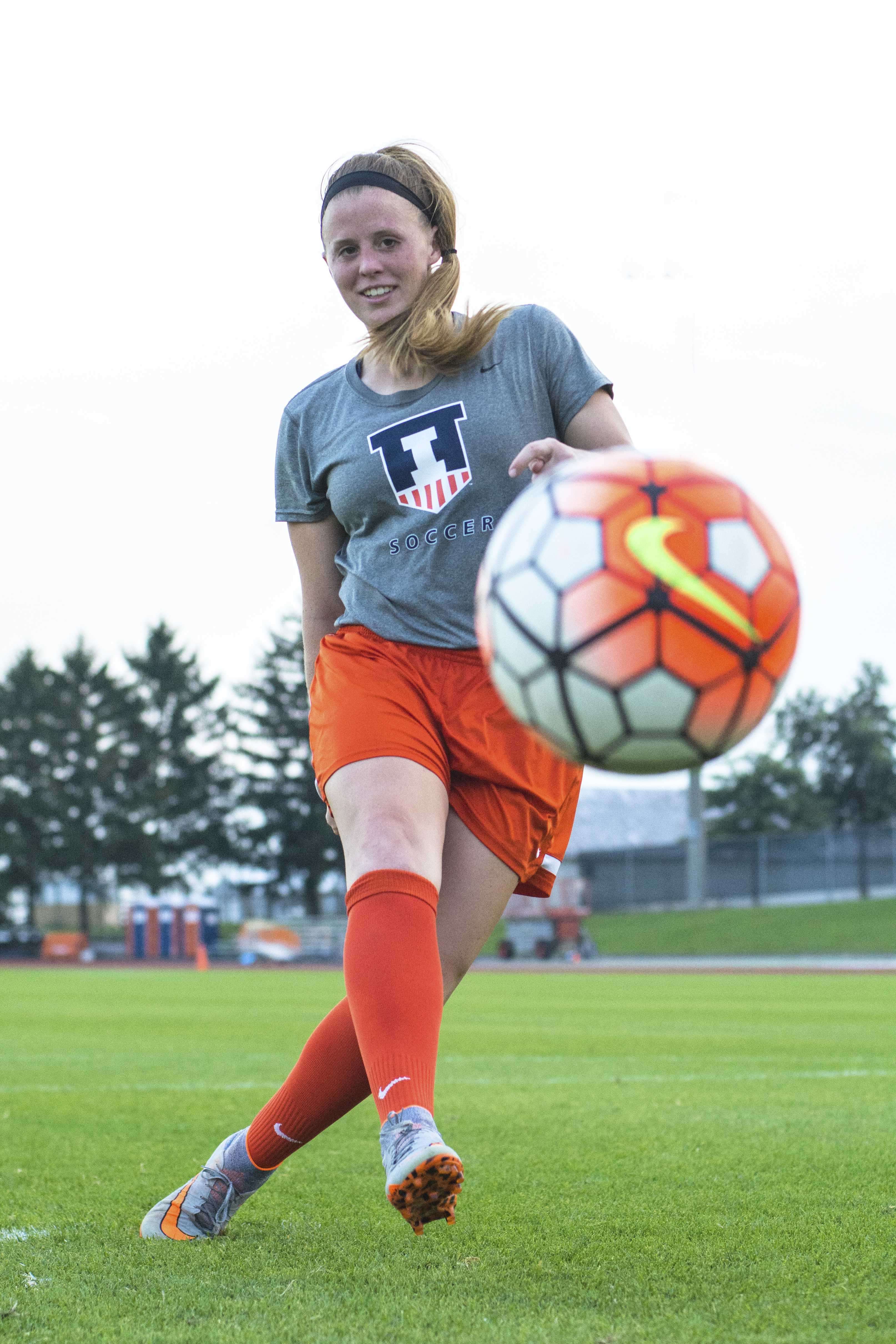Overcoming+injuries+and+setbacks%2C+Jannelle+Flaws+has+come+a+long+way+to+be+Illinois+soccer%27s+all-time+leading+scorer.+