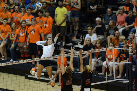Volleyball looks to carry momentum into Big Ten/Pac-12 Challenge