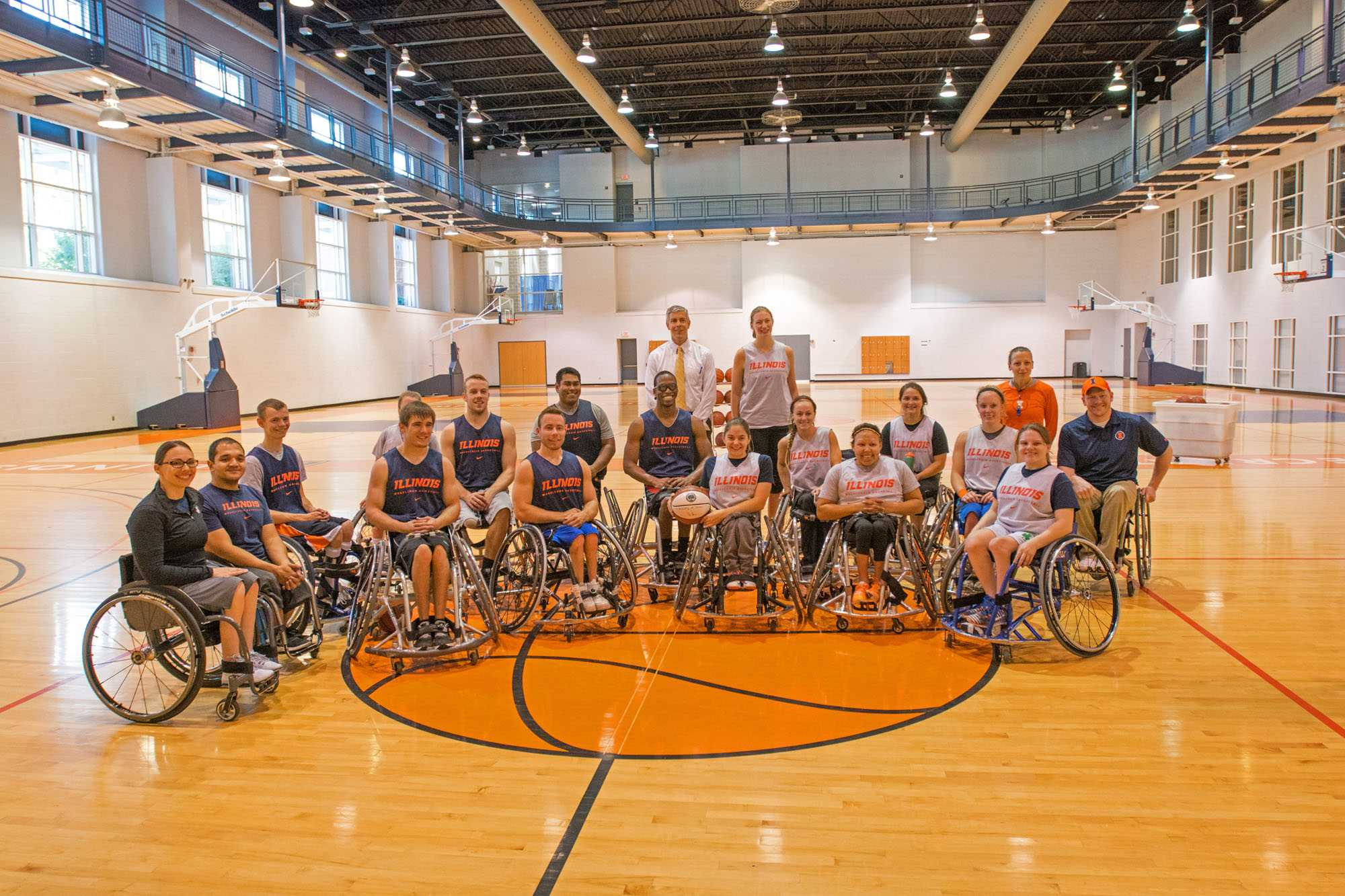 Illini+columnist+Kevin+McCarthy+sat+down+with+%23Illini+wheelchair+basketball+player+Martinez+Johnson