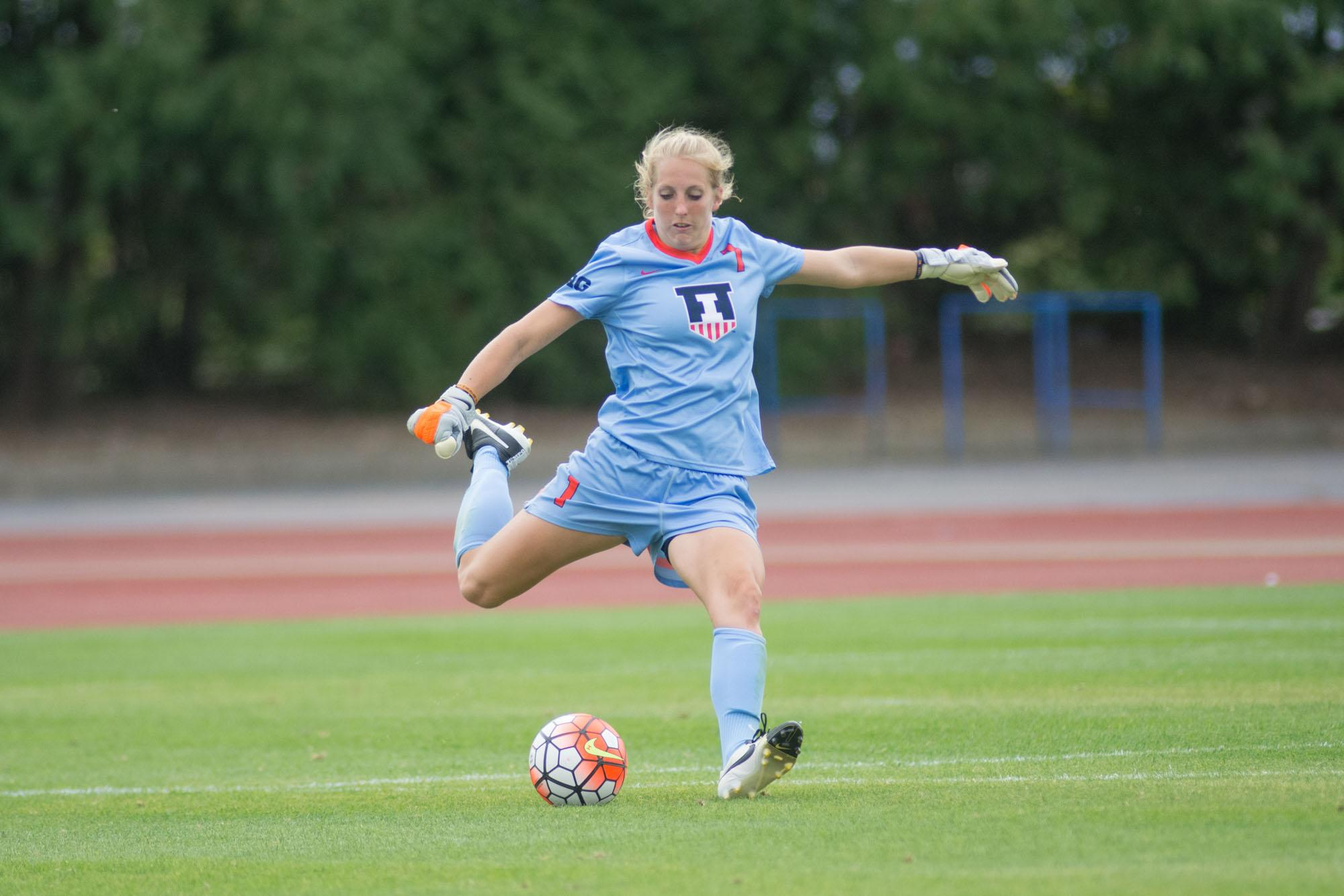 Claire Wheatley (1) sends the ball forward during Illinois' game vs Maryland on Sunday, Sept 27, 2015. Illinois won 2-1.