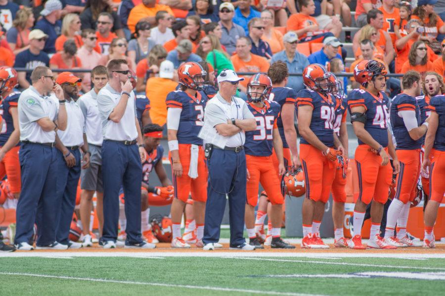 Illinois%27+head+coach+Bill+Cubit+on+the+sidelines+during+the+Illini%27s+27-25+win+over+Middle+Tennessee+State+at+Memorial+Stadium+on+Sept.+26.
