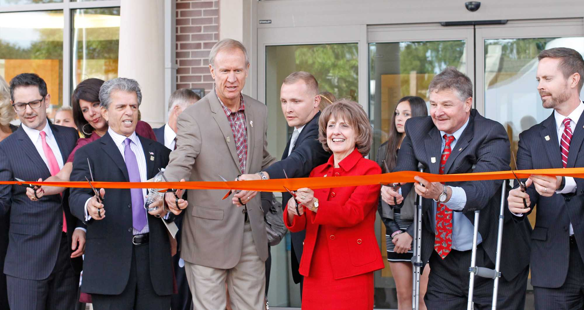 IllinoisGovernor Bruce Rauner attends the Dedication Ceremony and ribbon cuttingfor the Center for Wounded Veterans in Higher Education in Urbana on October 2.