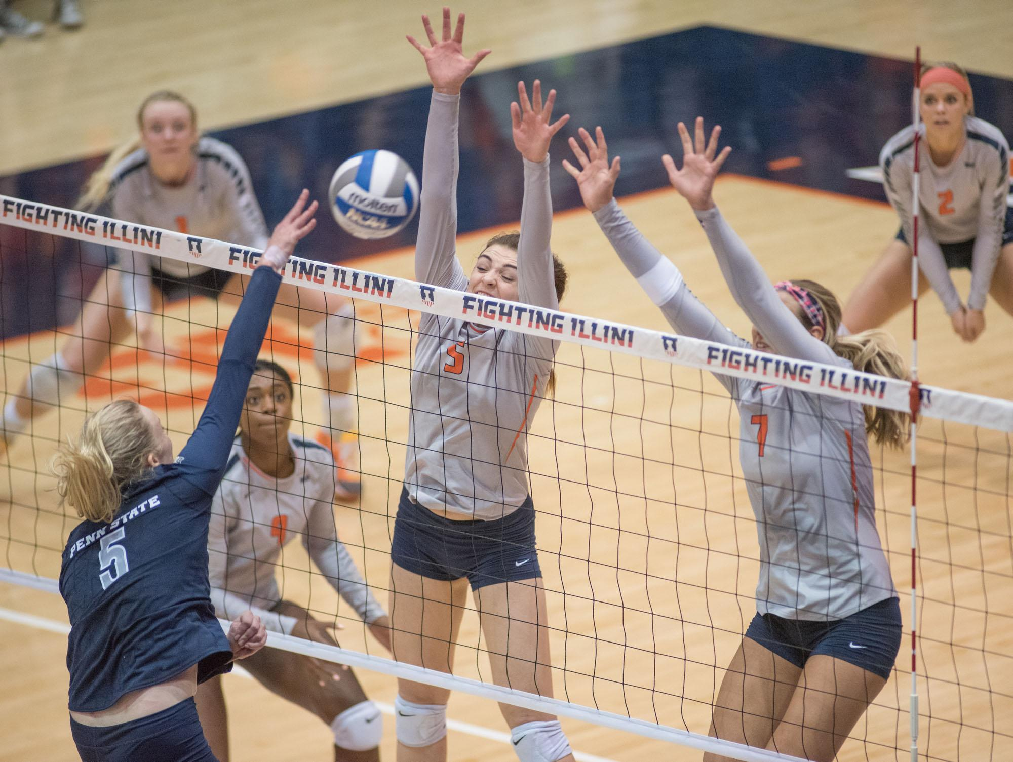 Illinois+volleyball+team+fails+to+bounce+back+in+its+return+home+and+pushes+losing+streak+to+four+games.