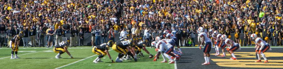 The+Illinois+defense+lines+up+against+the+Iowa+offense+deep+in+Illinois%27+own+zone+during+Saturday%27s+game+at+Kinnick+Stadium.+Illinois+lost+29-20.