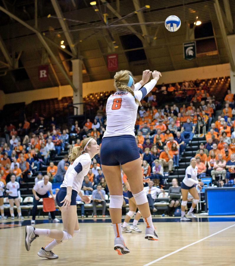 Illinois%27+Alexis+Viliunas+%288%29+sets+the+ball+during+the+game+versus+Iowa+State+at+Huff+Hall+on+Friday%2C+December+6%2C+2014.The+Illini+won+3-0.