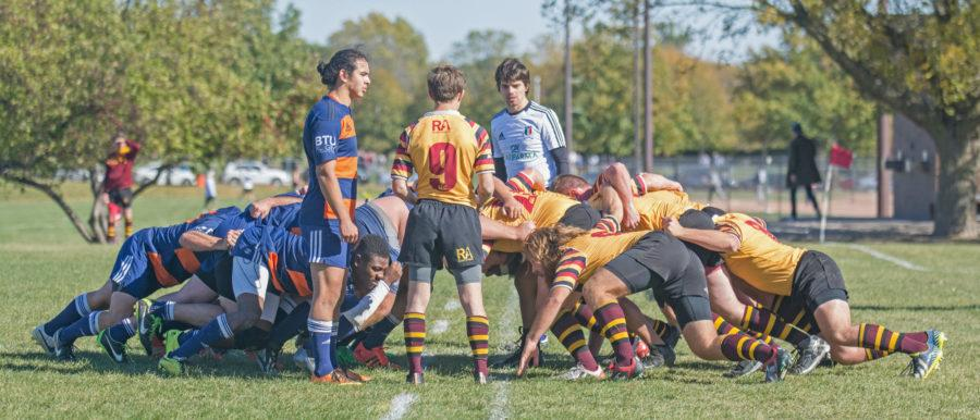 Illinois lines up against Minnesota in a scrum during the game at the Complex Fields on Saturday, October 17.